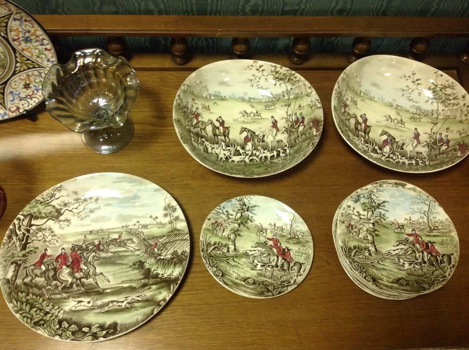 Set di piatti decorativi a parete dipinti a mano con scene di caccia mercatino di asti - Piatti decorativi ...