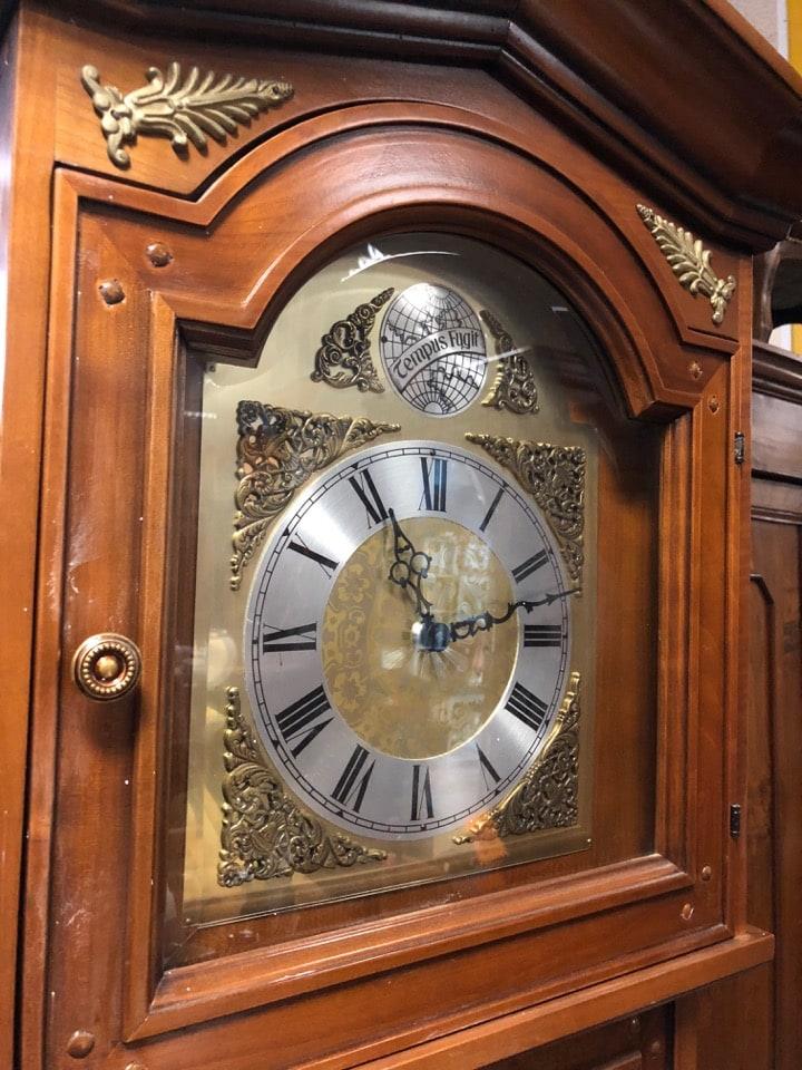 Orologio a pendolo a piantana funzionante con motivo Westmister marca Gran Salon 1