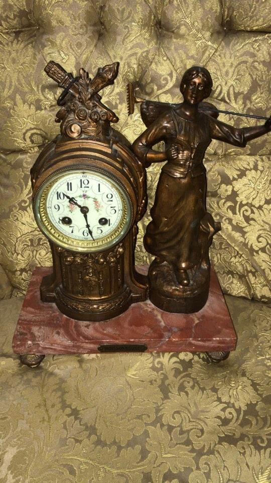 Orologio liberty da tavolo con figura femminile motivi floreali-1