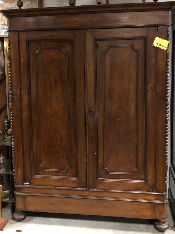 armadio in noce da restaurare fine ottocento stile umbertino