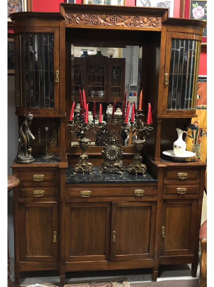 credenza in stile liberty inizio novecento vetri stampigliati con marmo nero marquinia specchio centrale piede a spillo